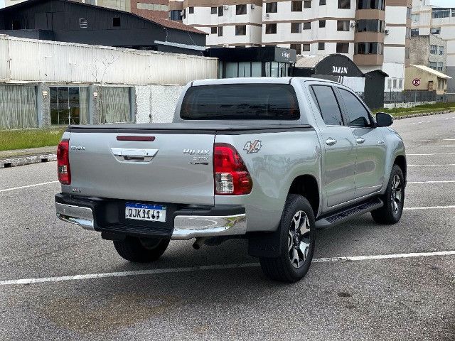 Toyota Hilux SRX Diesel 50th Annyversary - Foto 6