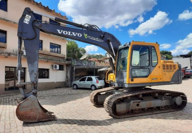 Escavadeira Hidráulica Volvo Ec 140 B 2016 - Foto 2
