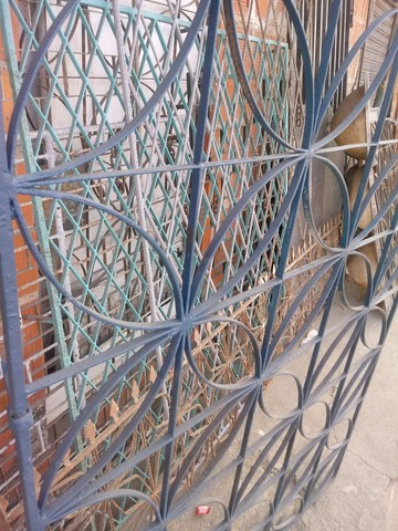 Portoes e grades pra janelas - Foto 2