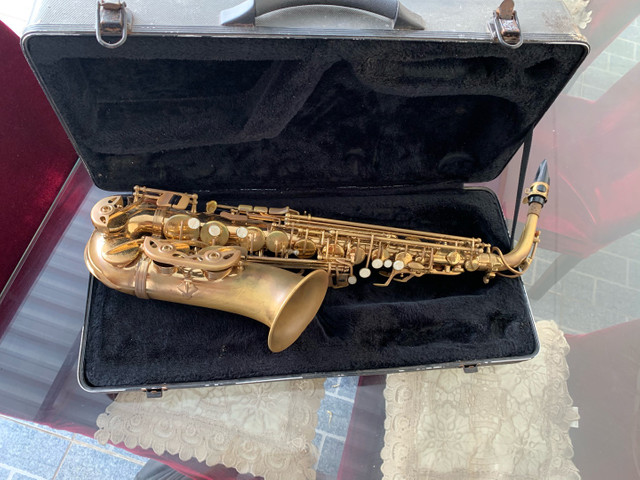 Vendo Saxofone Dourado - Foto 4