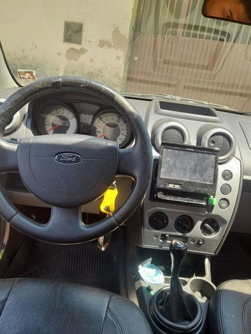Fiesta hatch 1.6 ou troco ou agio - Foto 3