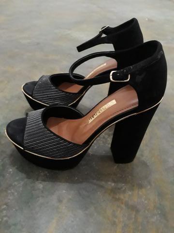 Vendo sandálias casual barata