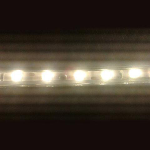 Mangueira achatada de LED - Branco Quente ou Frio - No Metro - Promoção!! - Mega Infotech - Foto 2