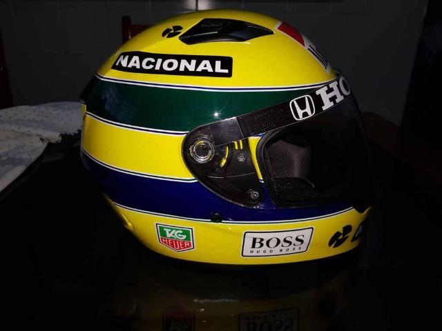Capacete Personalizado Ayrton Senna - Novo - Sem uso - Na Caixa - Foto 2