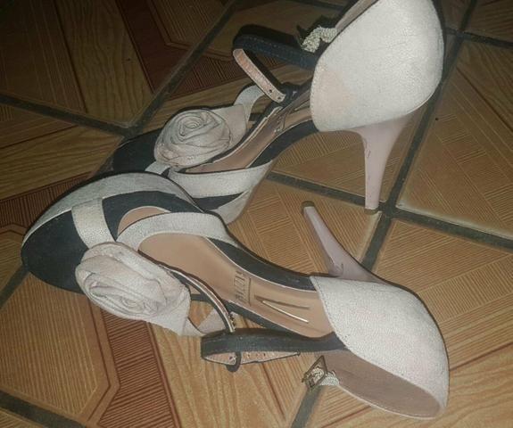 Vendo ou troco por sapatênis  sandália da vizzano n:35 36 - Foto 2