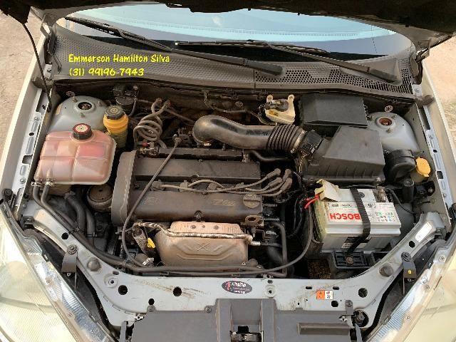 Focus Sedan Ghia 2.0 16V Flex - Foto 14