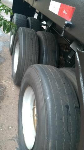 Vendo carreta LS ano 2001 assoalho de ferro roda raiada 295 com pneus - Foto 7