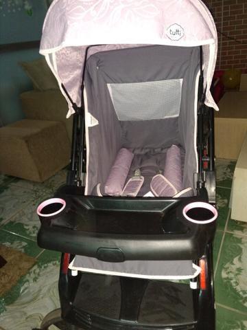 Carrinho de bebê Tutti usado brinde andador - Foto 2