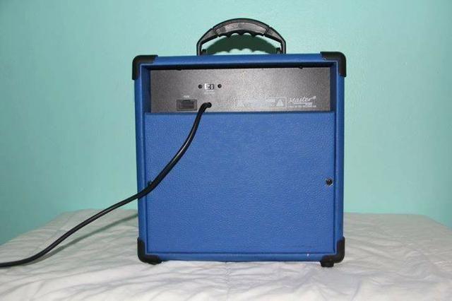 Amplificador Cubo Guitarra Master Gt15 15w Distorção - Azul - Foto 2
