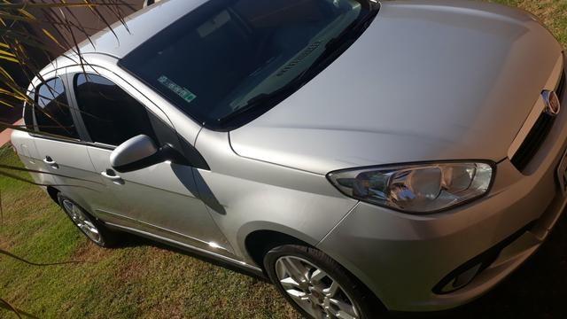 Vendo ou troco grand Siena essence dual automático 2015 - Foto 2