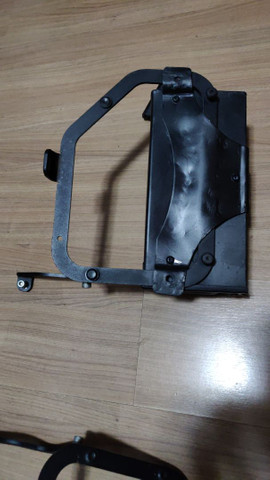 Suporte lateral e traseiro baú GIVI e caixa de ferramentas F800 GS - Foto 7