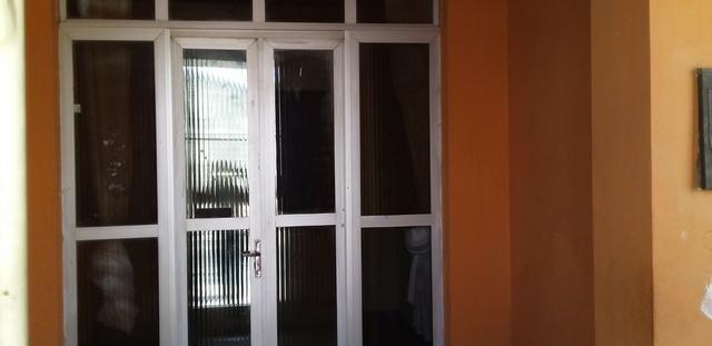 Casa livre em Alagoinhas na Rua Murilo Cavalcante, podendo construir. ampliar - Foto 4