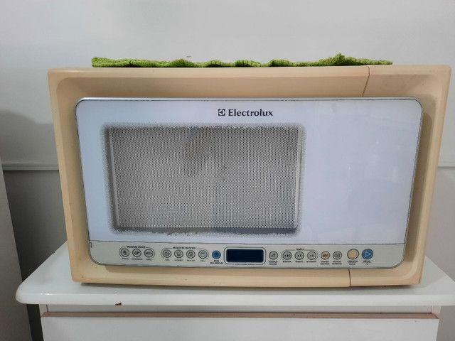 Micro-ondas com gril e botões digitais! - Foto 3