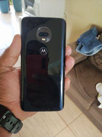 Motorola moto G7 plus com 4GB RAM e 64 interno em muito bom estado  - Foto 2