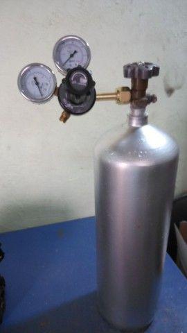 Cilindro CO2 6kg com regulador - Foto 3