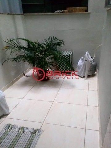 Apartamento de 1 quarto com dependência, elevador e garagem no Alto, Teresópolis/RJ. - Foto 9