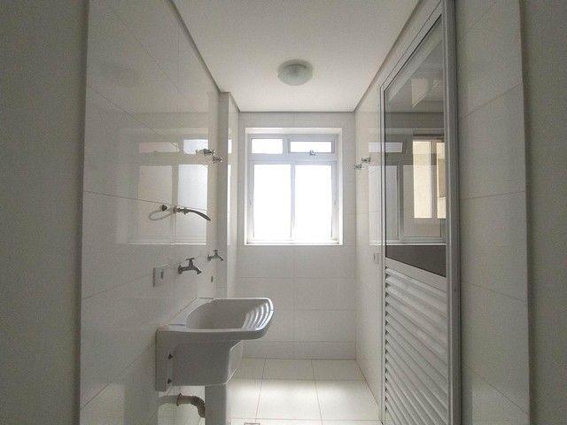 Locação   Apartamento com 86.87 m², 3 dormitório(s), 2 vaga(s). Vila Cleópatra, Maringá - Foto 16