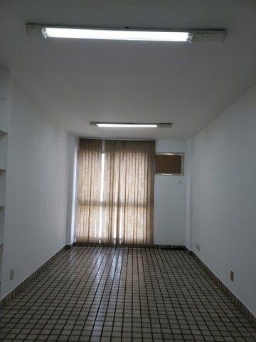 Ótima sala com luminárias e piso cerâmico de 29m² no Maracanã. - Foto 7