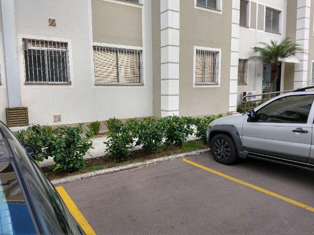 Vendo apartamento semimobiliado térreo 2 quartos