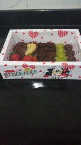 Cesta de chocolate/ petiscos  - Foto 2