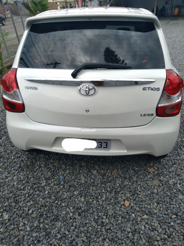 Toyota etios hacht completo 1.3 xs - Foto 5