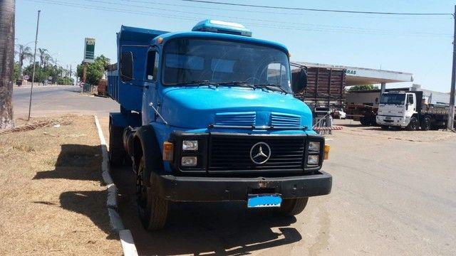 Caminhão Mercedes 1113 Caçamba  - Foto 2