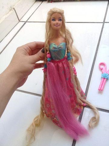 Boneca Barbie Rapunzel penteado mágico - Foto 2