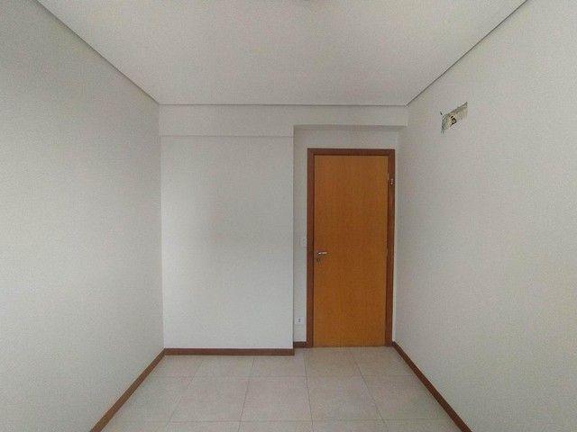Locação   Apartamento com 86.87 m², 3 dormitório(s), 2 vaga(s). Vila Cleópatra, Maringá - Foto 12
