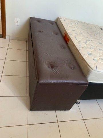 Baú para roupas de cama em couro marrom - Foto 2