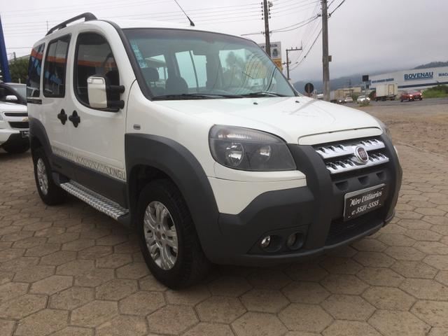 FIAT DOBLO ADVENTURE XINGU 1.8 LOCKER 6 LUGARES