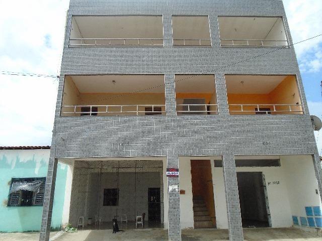 Apartamento no Acaracuzinho, com 2 quartos e garagem
