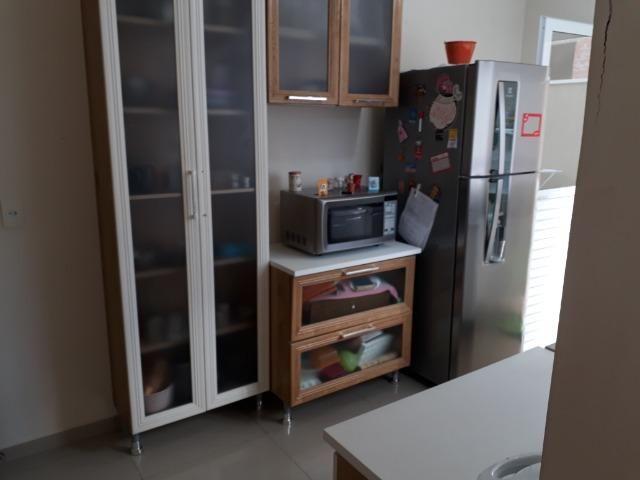 Sobrado em condomínio fechado com 120 m² de área construída + espaço externo - Foto 9