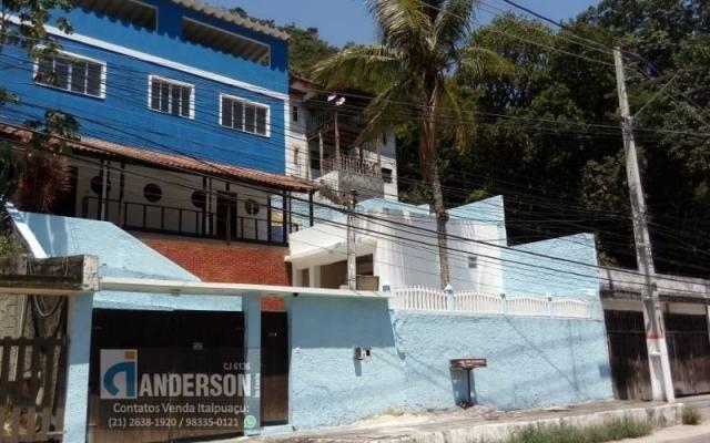 Casa Duplex no Recanto com 3 Qts, sendo 2 Suítes prox. A praia.