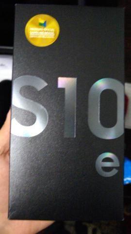 Samsung Galaxy S10e 128gb , na cor preta( lacrado) - Foto 3