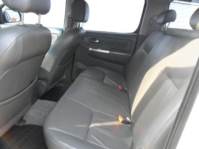 Toyota Hilux CD Srv D4-D 5 marchas 4x4 3.0 Tdi Diesel Aut - Foto 10