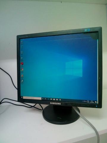 Monitor samsung 17 polegadas com pequena mancha