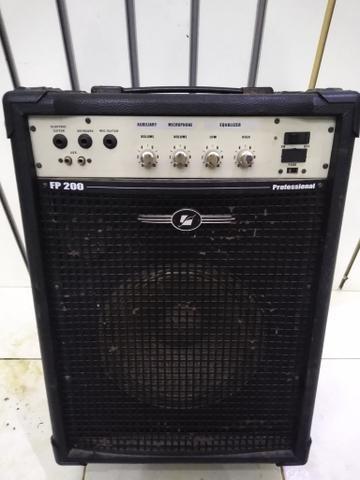 Caixa amplificada profissional fp200