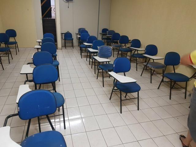 Vendo 30 cadeiras universitárias