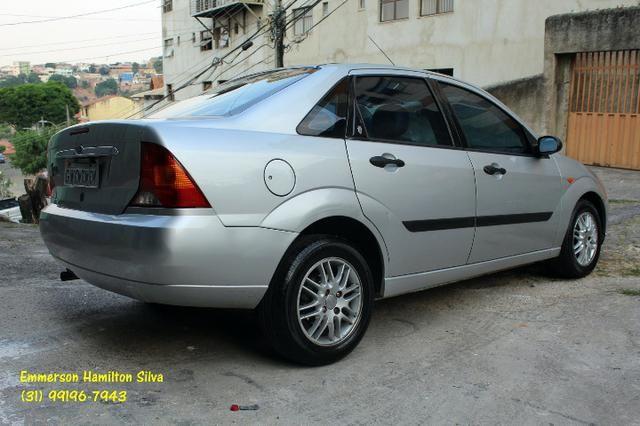 Focus Sedan Ghia 2.0 16V Flex - Foto 3