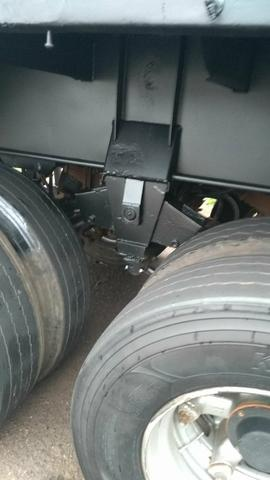 Vendo carreta LS ano 2001 assoalho de ferro roda raiada 295 com pneus - Foto 5