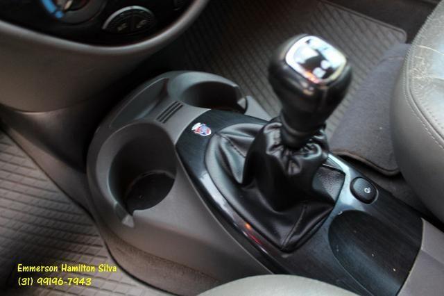 Focus Sedan Ghia 2.0 16V Flex - Foto 8