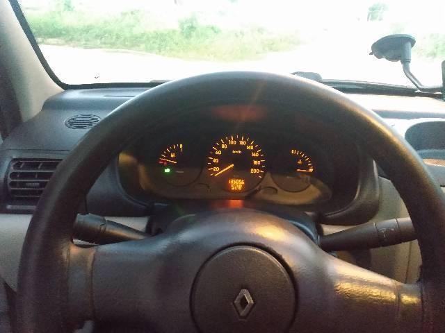 Clio 2003 1.0 8v  - Foto 8
