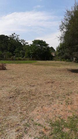 Velleda oferece terrenão 15x50 em condomínio fechado, ac entrada 25 mil - Foto 2