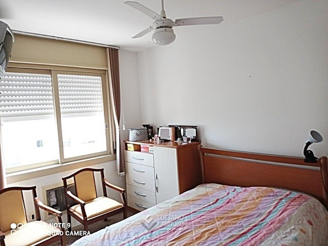 Apartamento Centro, próximo do Colégio Adventista, desocupado, 2 dormitórios, garagem - Foto 5