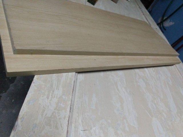 prateleiras de madeira - Foto 2