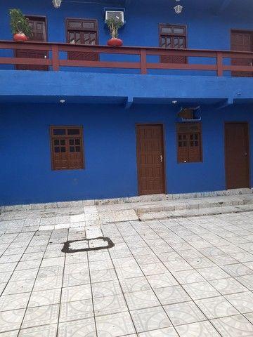 Aluga-se apartamento próximo ao farol de itapuã com vaga de estacionamento  - Foto 2