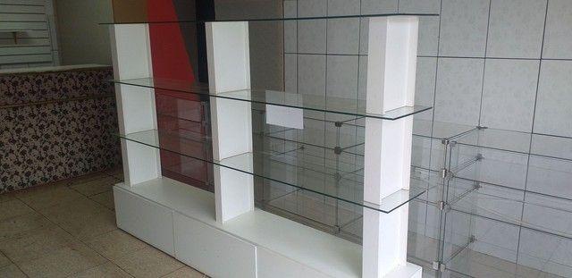 Prateleira de vidro com 3 gavetas