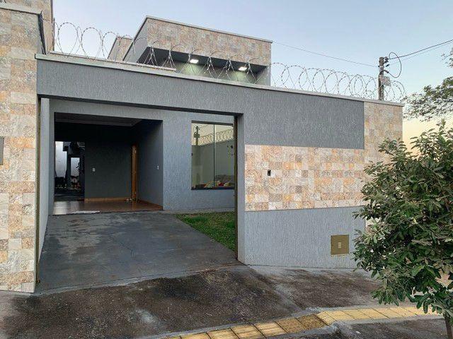 Casa para venda com 3 quartos em Parque das Flores - Goiânia - GO