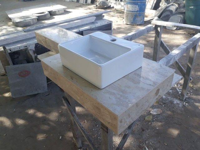 Mármores e granitos Pia banheiro, bancada de cozinha, soleiras, peitoril, etc.