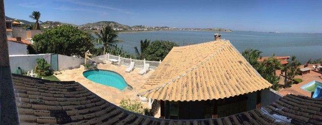 Casa estilo mansão, vista cinematográfica da Lagoa de Araruama de todo o imóvel - Foto 12